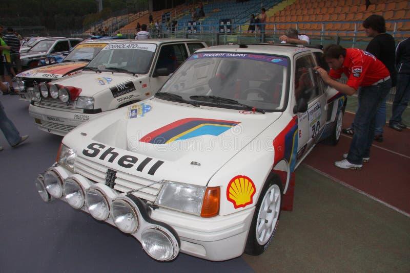 Coche de competición de Peugeot 205 turbo 16 fotografía de archivo