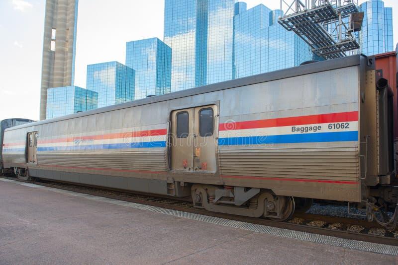 Coche de equipaje de Amtrak en Dallas, Tejas, los E.E.U.U. imagen de archivo libre de regalías