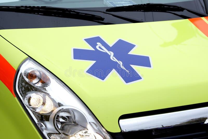 Coche de la ambulancia de la emergencia fotos de archivo