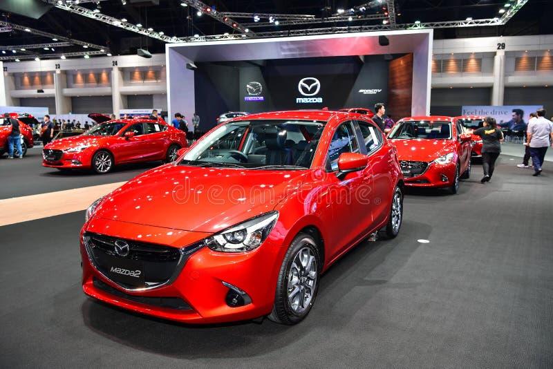 Coche de Mazda 2 en la expo internacional del motor de Tailandia fotos de archivo