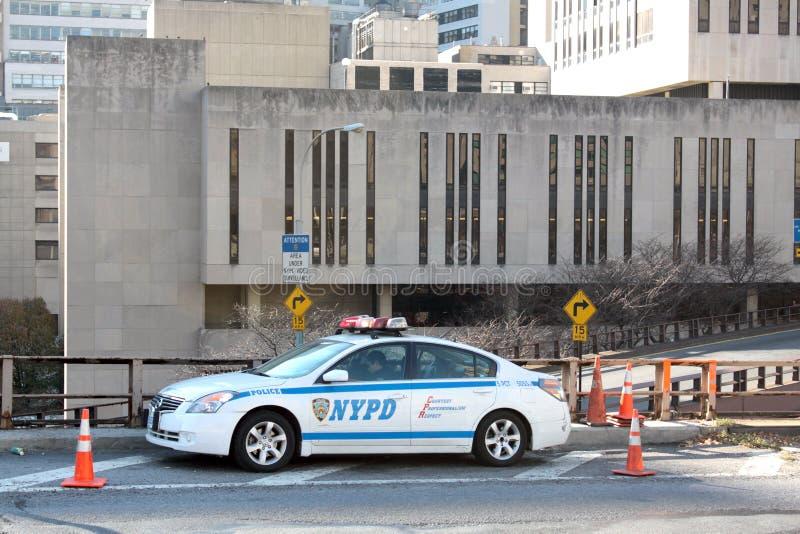 Coche de NYPD en el puente de Brooklyn fotos de archivo libres de regalías