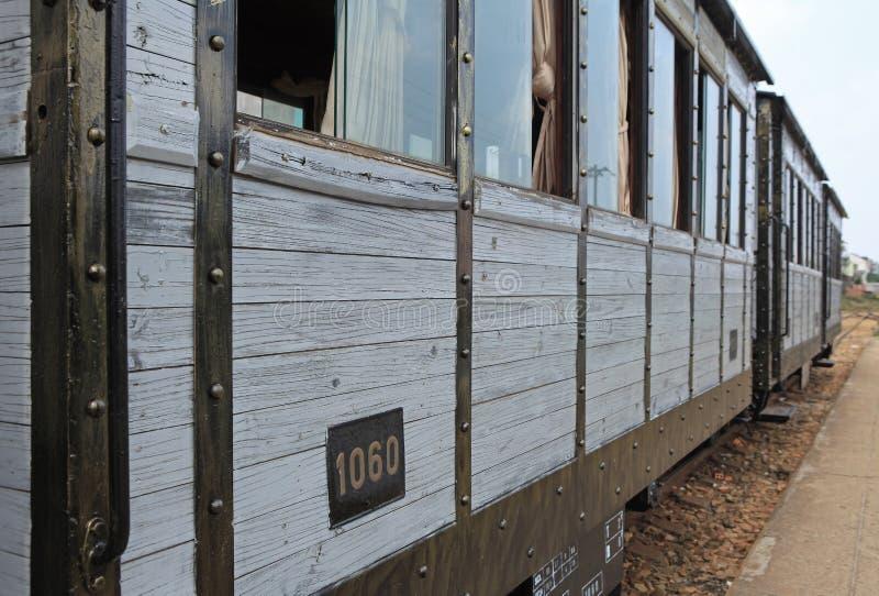 Coche de pasajero de un tren viejo foto de archivo
