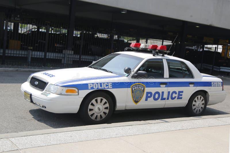 Coche de Port Authority New York-new Jersey que proporciona seguridad en el aeropuerto internacional de JFK foto de archivo libre de regalías