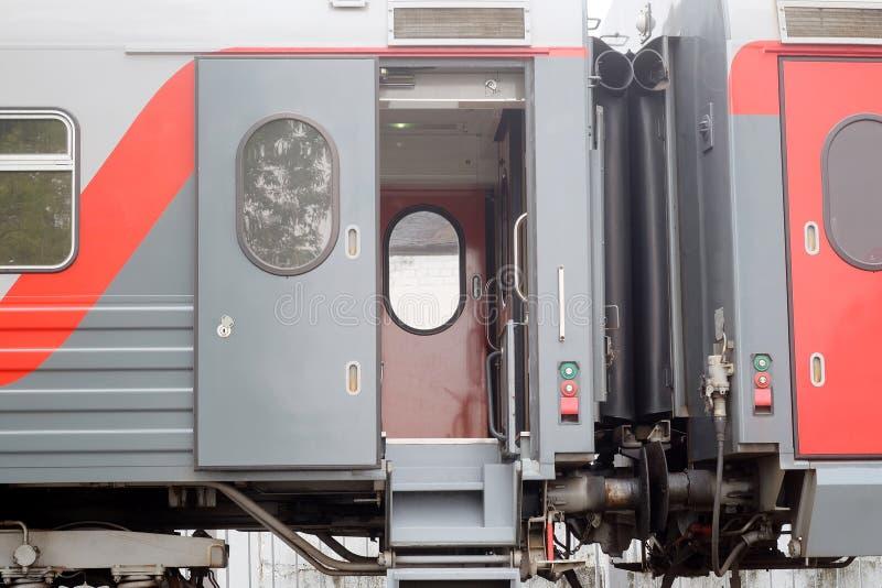 Coche de tren de pasajeros imagenes de archivo