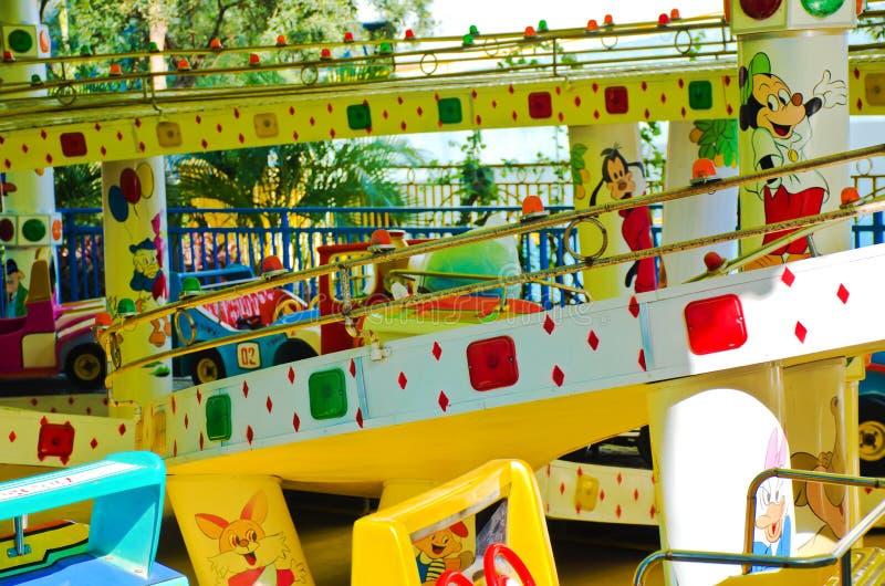 Coche del carrusel del parque de la hospitalidad fotografía de archivo libre de regalías
