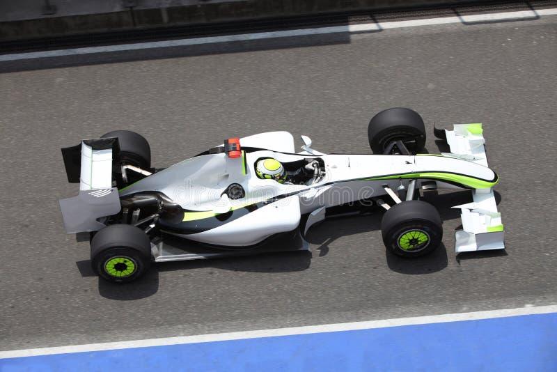 Coche del Fórmula 1 en competir con foto de archivo libre de regalías