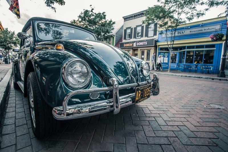 Coche del vintage en las calles de Annapolis, Maryland