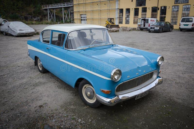 Coche del vintage del veterano del expediente de Opel imágenes de archivo libres de regalías