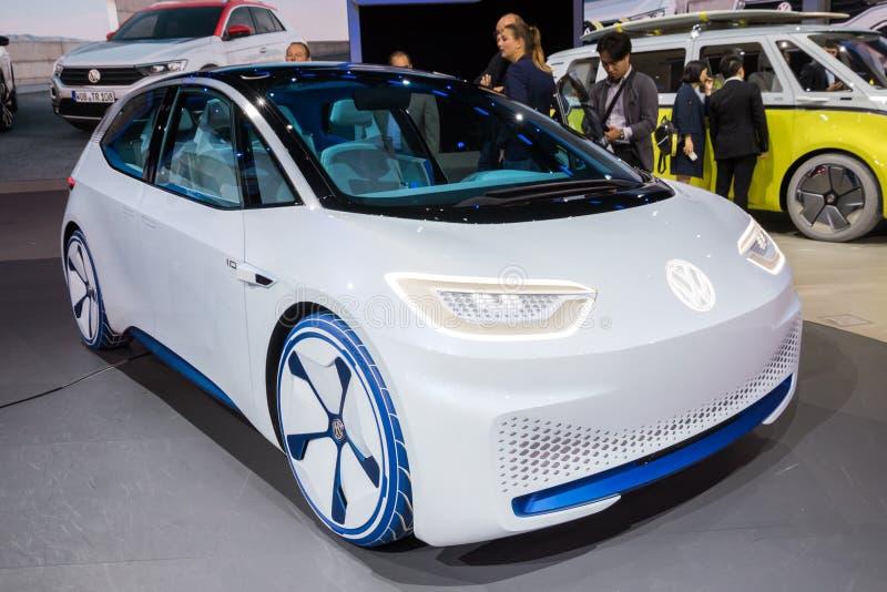 Coche eléctrico autónomo 2020 del concepto de la identificación de Volkswagen fotografía de archivo libre de regalías