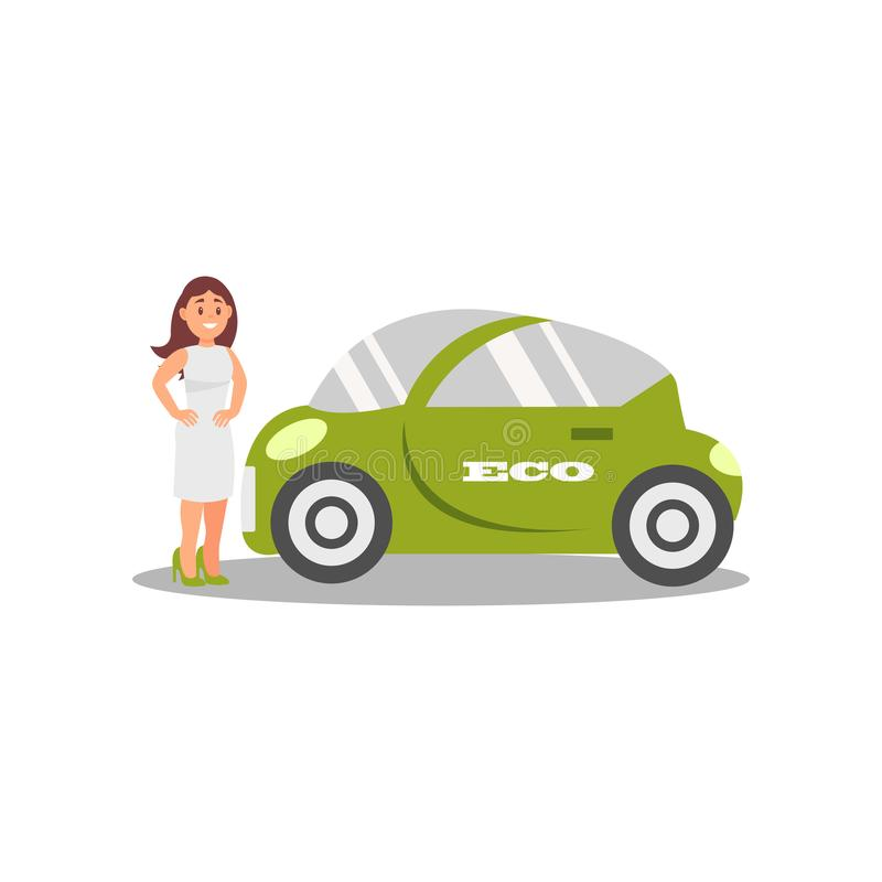 Coche eléctrico verde siguiente permanente de la mujer joven, ejemplo alternativo amistoso del vector del vehículo del transporte ilustración del vector