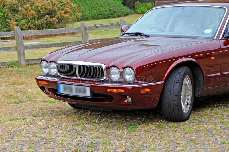 Coche moderno de lujo del jaguar fotos de archivo libres de regalías