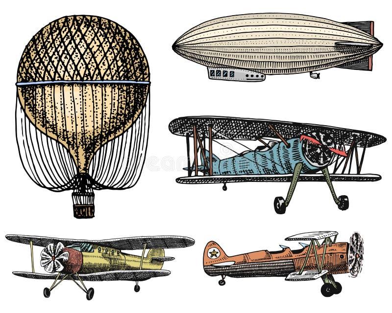 Coche, moto, carro traído por caballo, locomotora mano grabada dibujada en el viejo estilo del bosquejo, transporte de pasajeros  libre illustration