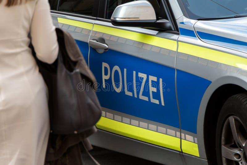 Coche policía alemán fotos de archivo