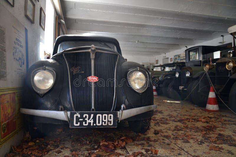 Coche Praga Super Piccolo del sedán del veterano del vintage a partir del año 1934 fotos de archivo libres de regalías