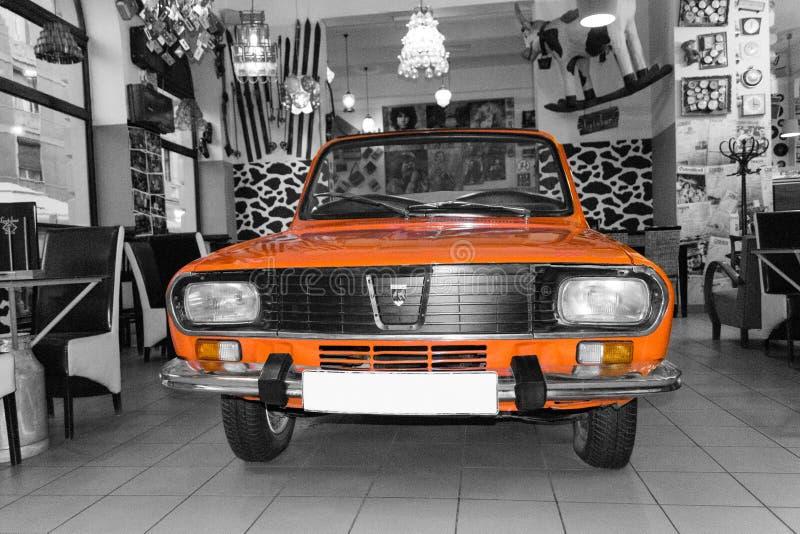 Coche retro de Dacia 1300 imagen de archivo