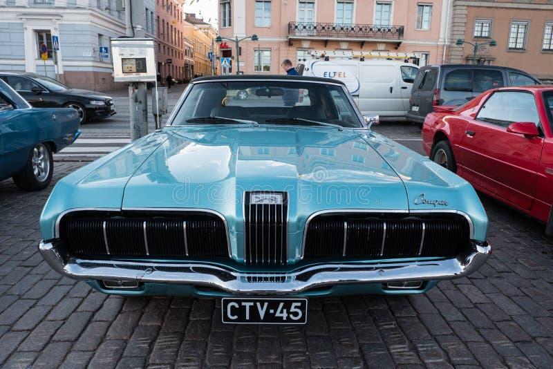 Coche viejo Mercury Cougar de Helsinki, Finlandia foto de archivo