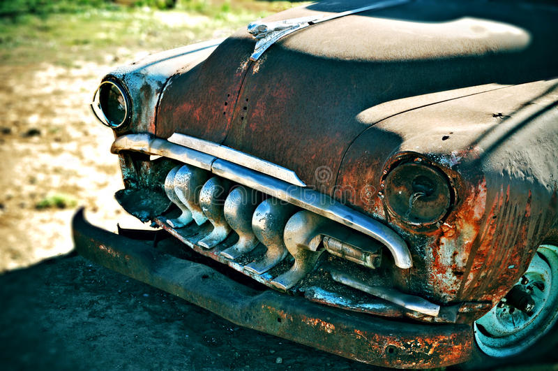 Coche viejo oxidado foto de archivo libre de regalías
