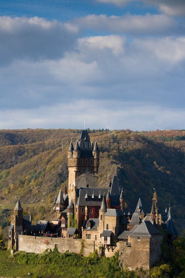 Download Cochem Германия замока стоковое изображение. изображение насчитывающей замок - 6865469