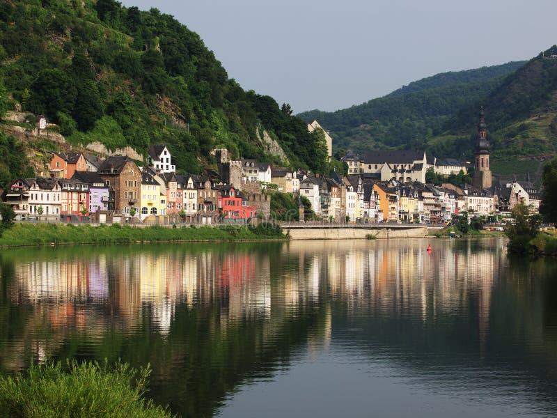 Cochem, Germania sulle rive del fiume Mosella immagini stock