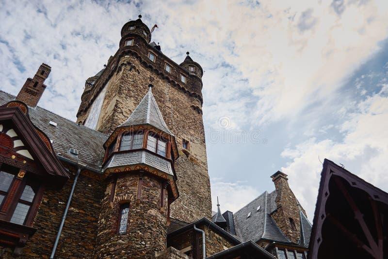 Cochem, Palatinate, Niemcy, Czerwiec 6, 2018: Widok Reichsburg Cochem kasztel zdjęcie stock