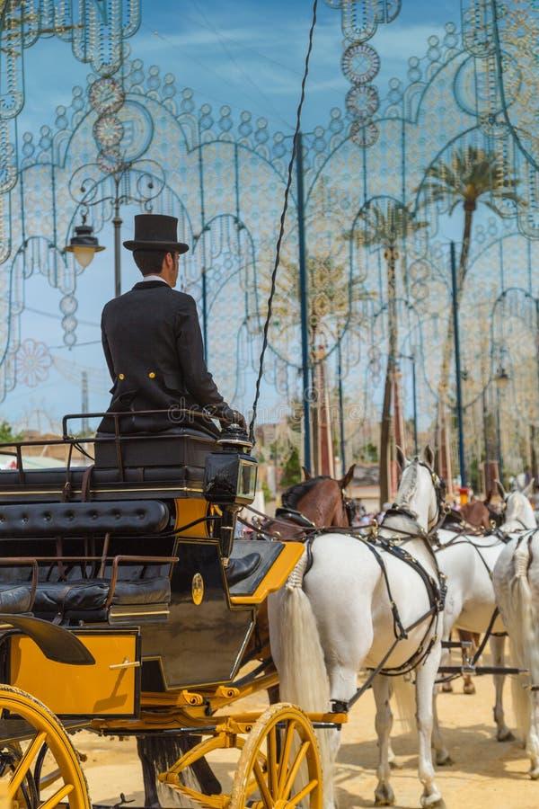 Cocher masculin dans le chapeau supérieur au Feria 2017 de Jerez photo libre de droits