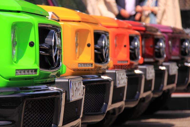 Coches coloridos del Benz de Mercedes imagen de archivo libre de regalías