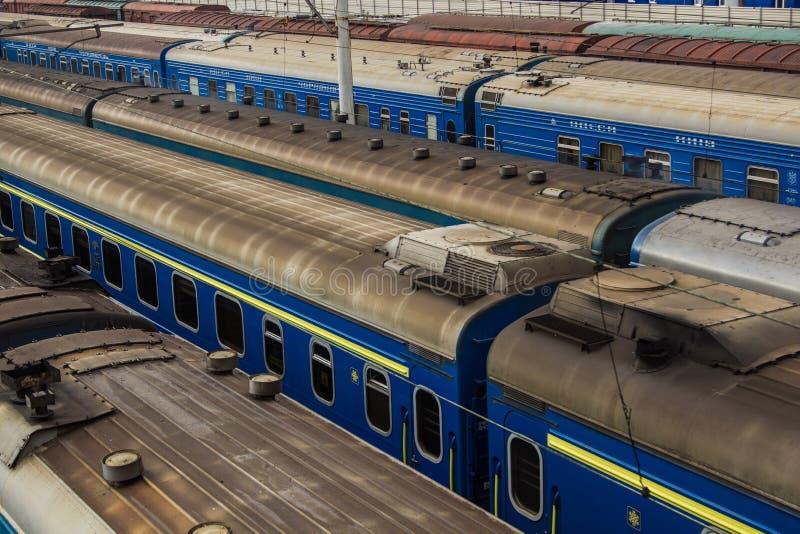 Coches de tren en el estacionamiento fotografía de archivo libre de regalías
