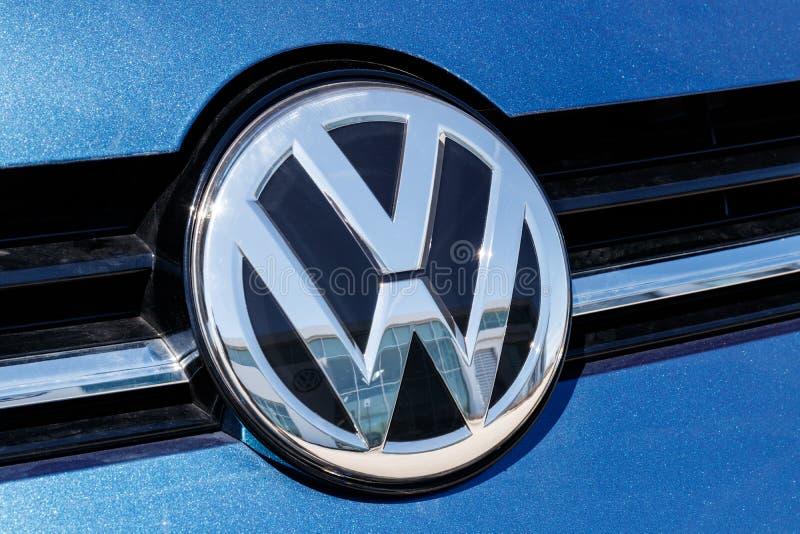 Coches de Volkswagen y representaci?n de SUV VW es entre los fabricantes de autom?viles m?s grandes del ` s del mundo III imagen de archivo