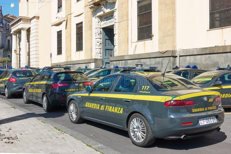 Coches financieros italianos del guardia fotos de archivo