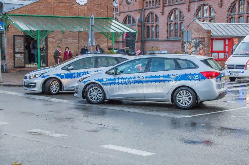 Coches policía en el Día de la Independencia nacional en Gdansk en Polonia Celebra el 99.o aniversario de la independencia imagenes de archivo