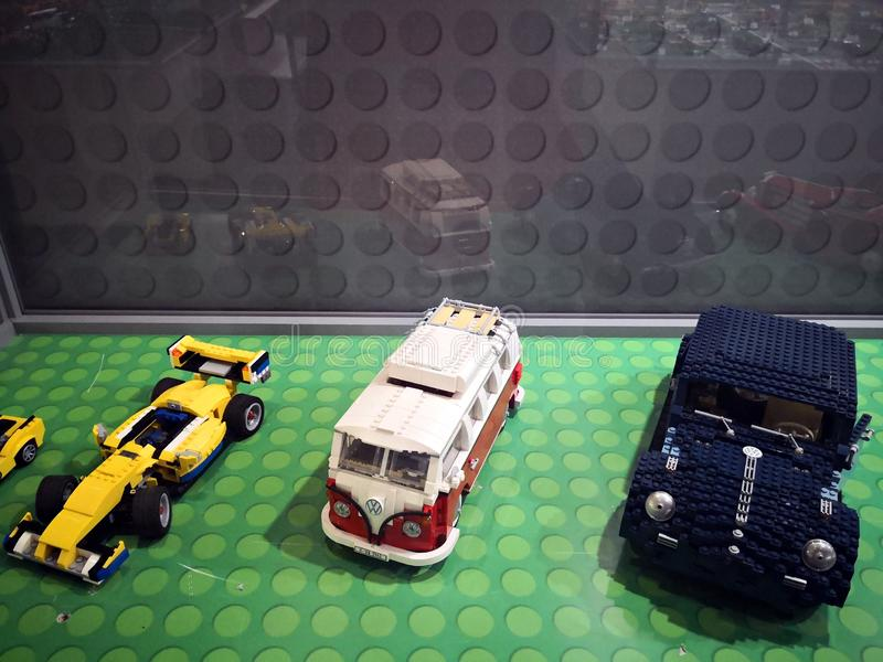 Coches retros de Lego - Lego Exhibition Invasion de Giants imágenes de archivo libres de regalías