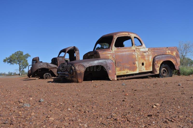 Coches viejos abandonados en el Territorio del Norte interior Australia imagen de archivo libre de regalías