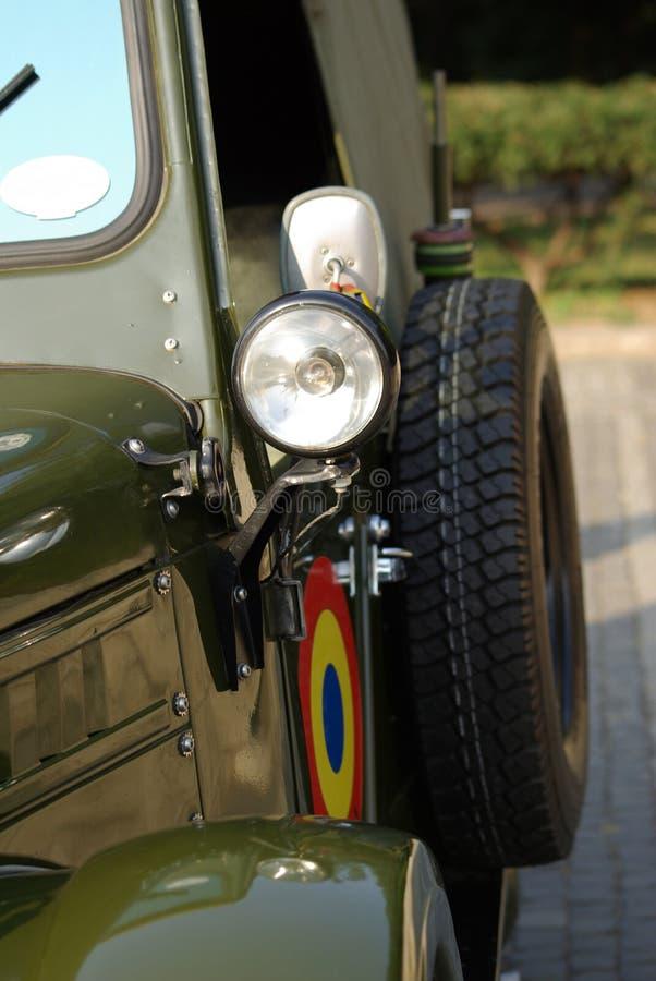 Coches viejos, camión de ejército rumano fotografía de archivo