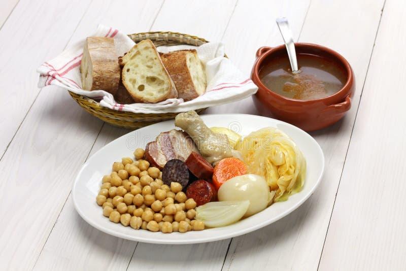 Cocido madrileno, chickpea i wieprzowina gulasz, zdjęcia royalty free