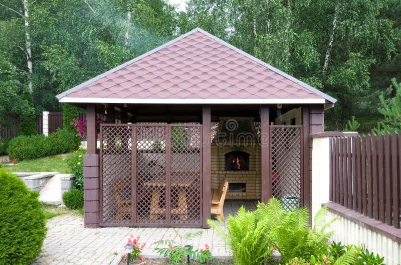 Cocina al aire libre imagen de archivo. Imagen de casa - 25537919