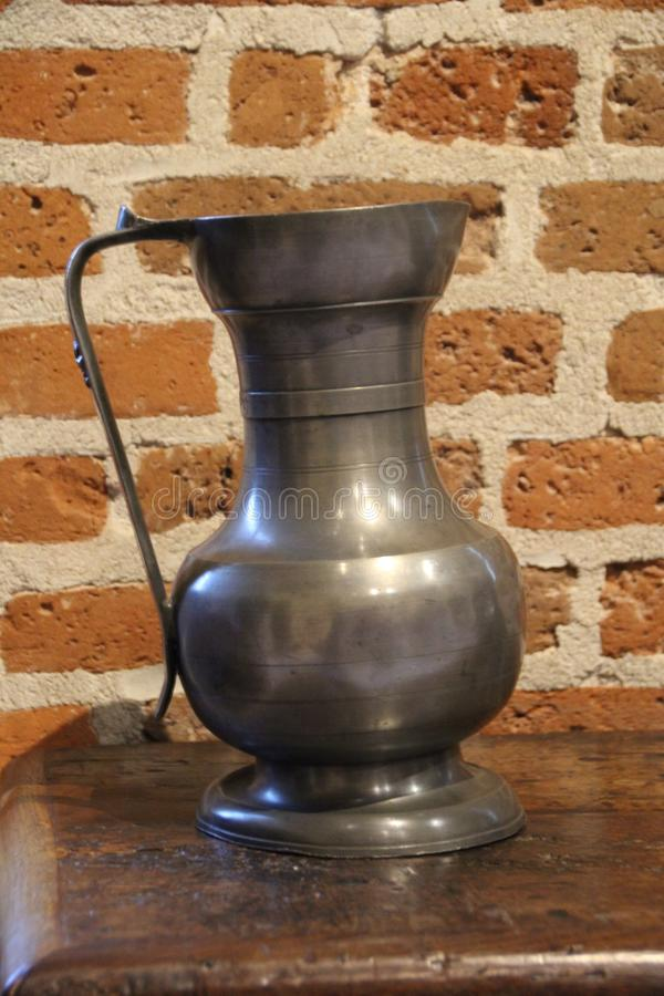Cocina anticuada para hacer agua foto de archivo
