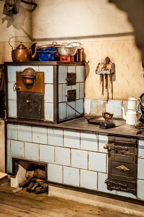 Cocina antigua foto de archivo. Imagen de antiguo, dentro - 35463814