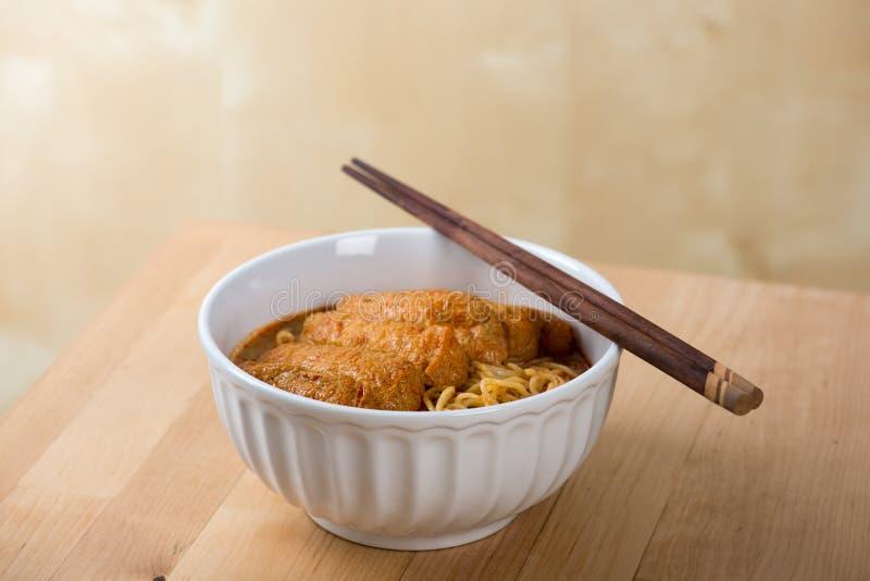Cocina caliente y picante de los tallarines de Laksa del curry foto de archivo libre de regalías