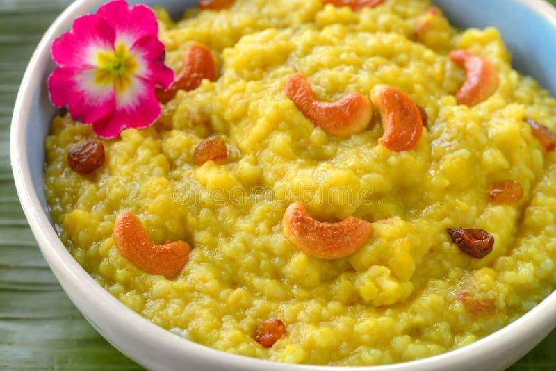 Cocina del Tamil - khichdi del arroz de Pongal dal imagenes de archivo