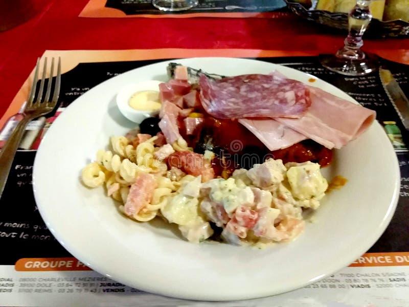 Cocina europea a la carta, mesa fotos de archivo