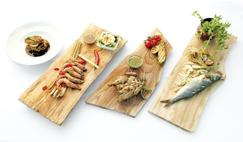 Cocina fresca sana de los platos del alimento delicioso fotos de archivo libres de regalías
