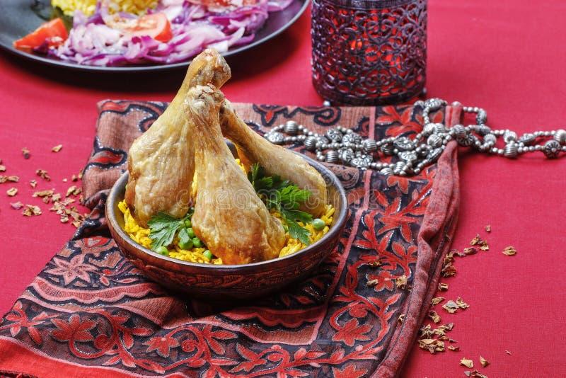 Cocina india: pollo asado con arroz fotos de archivo libres de regalías