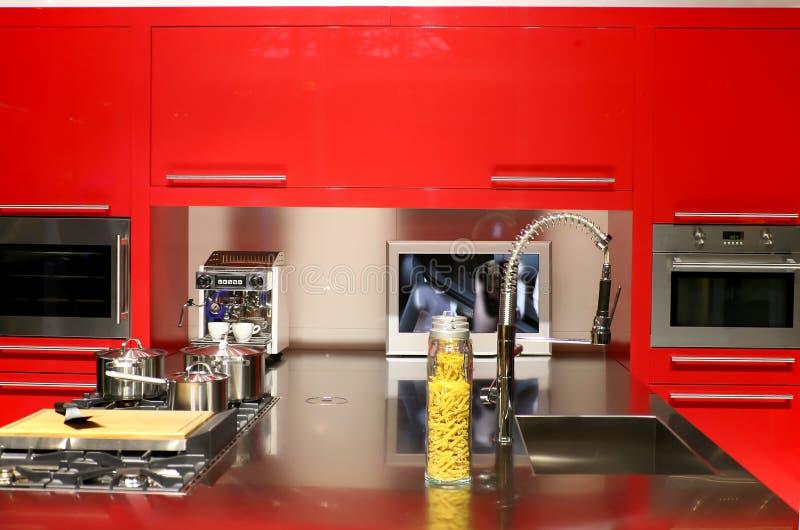 Cocina roja imagenes de archivo