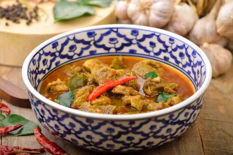 Cocina roja de Thais del curry del pato imagen de archivo