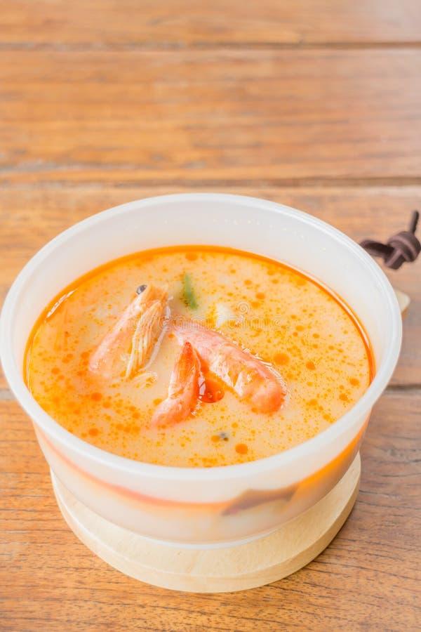Cocina tradicional tailandesa de la sopa picante del camarón foto de archivo libre de regalías