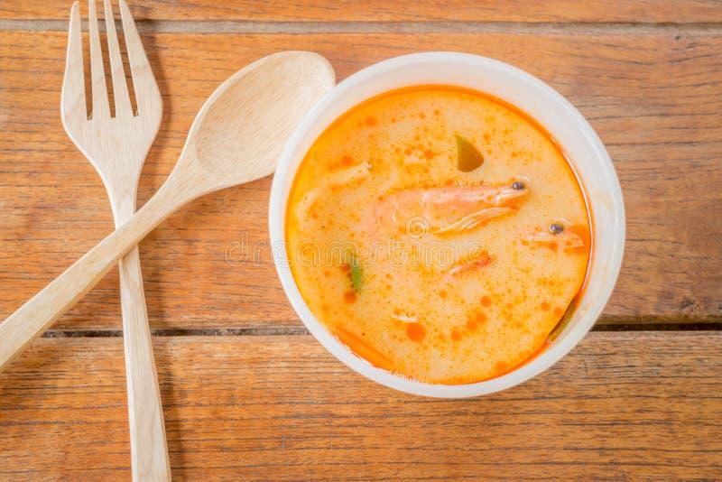 Cocina tradicional tailandesa de la sopa picante del camarón imagen de archivo