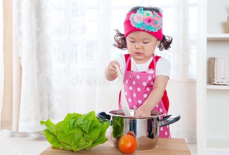 Cocinero joven imagenes de archivo
