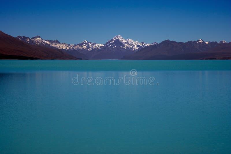 Cocinero y lago Pukaki del montaje fotos de archivo