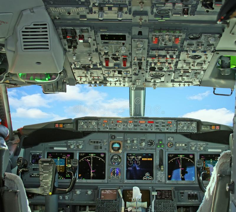Cockpit 2 lizenzfreie stockfotos