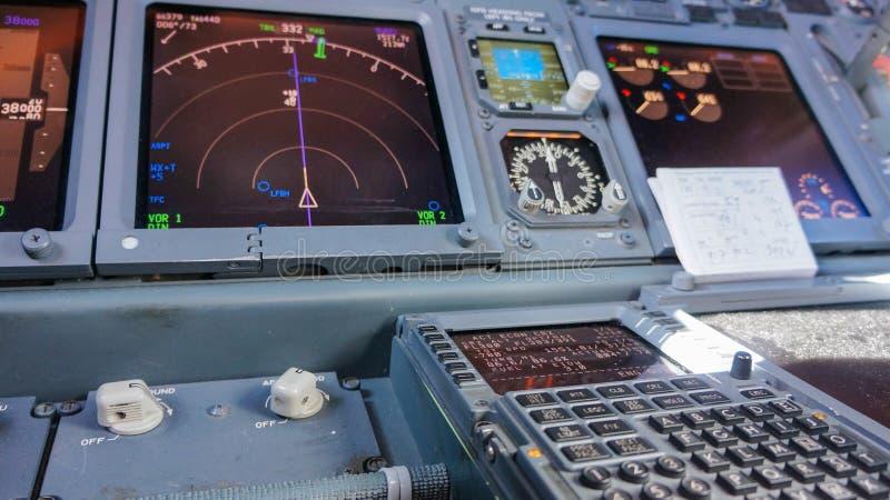 cockpit lizenzfreie stockfotografie